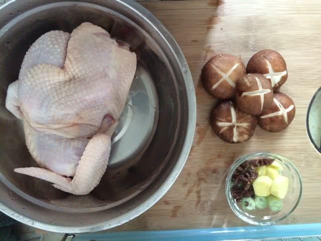 砂锅鸡汤的做法步骤