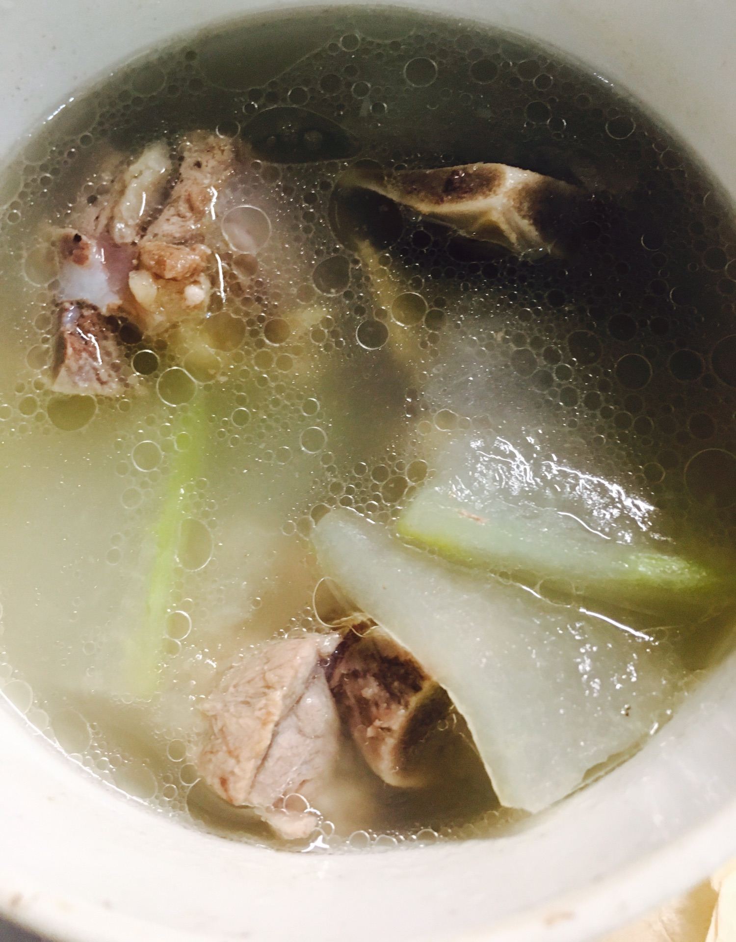 冬瓜微波炉菜谱-快手排骨汤炒黄豆胀气