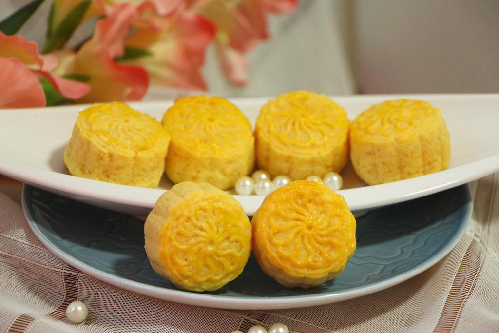 人气香港半岛奶黄月饼
