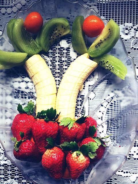 时间:10分钟左右       主料 草莓5个 香蕉1个 创意水果拼盘的做法