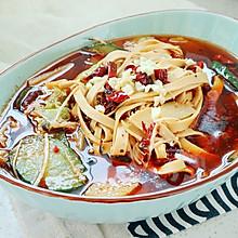 【水煮豆皮】比大鱼大肉更过瘾的菜