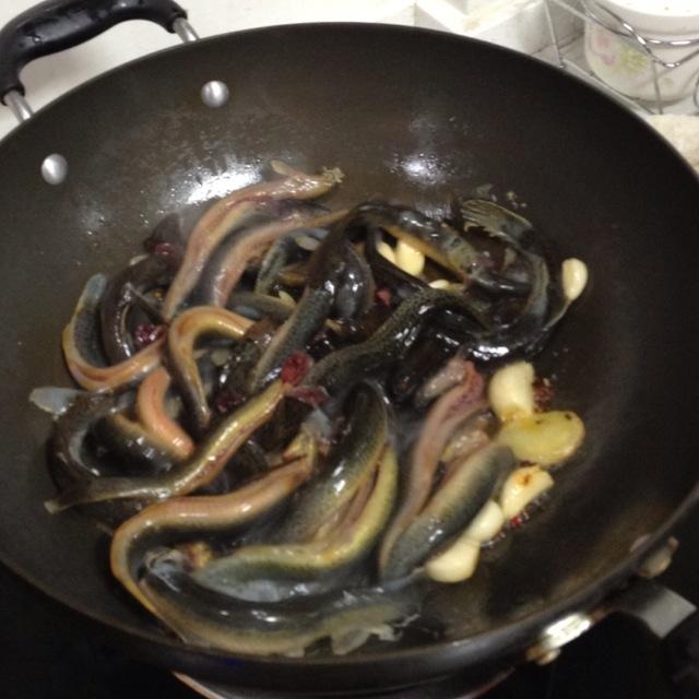 红烧泥鳅的菜品图解4低盐做法手抄报8k图片