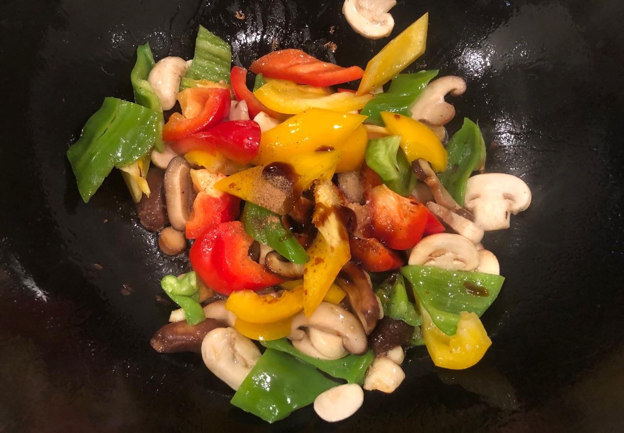 彩椒炒蘑菇的菜谱_做法_豆果美食皮皮虾布偶猫能吃吗图片