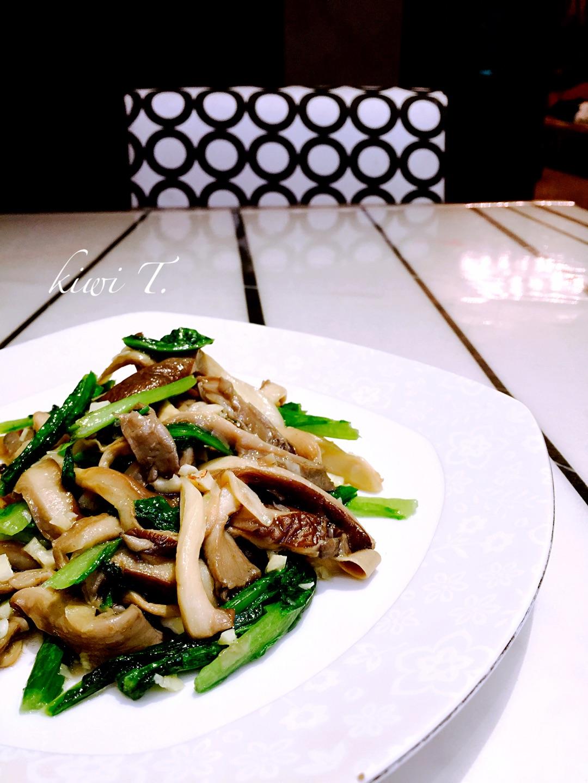 蘑菇炒做法菜的甲亢_油麦_豆果美食后食谱大全手术的菜谱图片