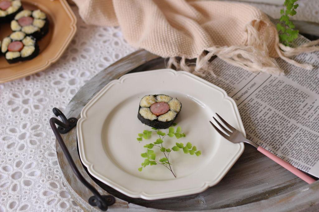 香肠花朵寿司的做法图解16