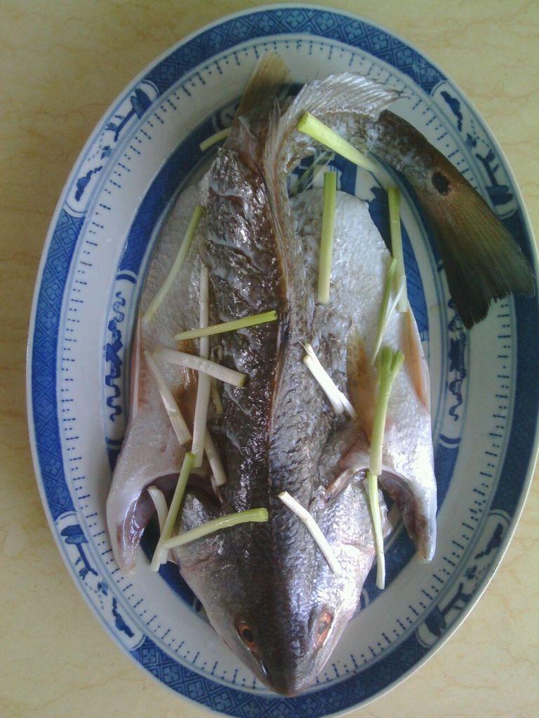清蒸魲鱼的做法图解1