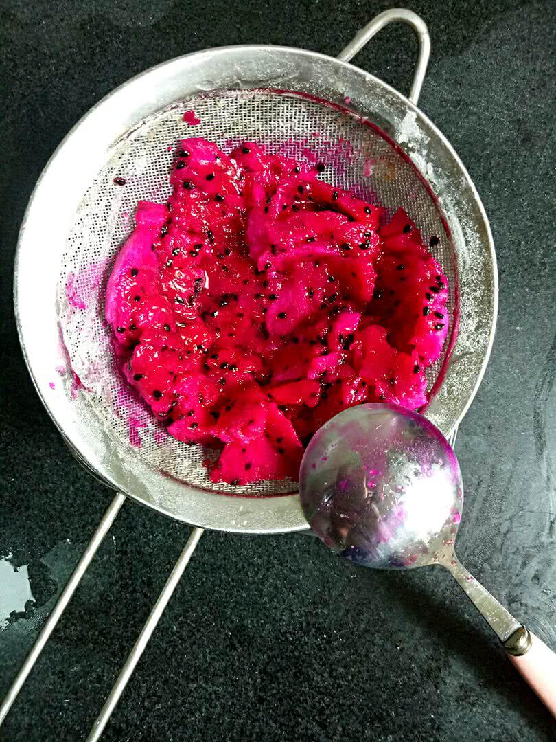 火龙果冰淇淋的做法步骤