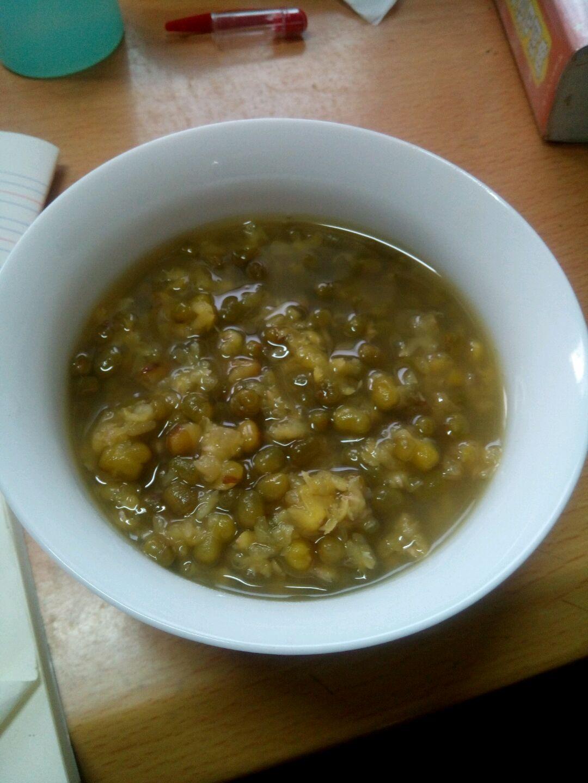 绿豆汤的做法图解1