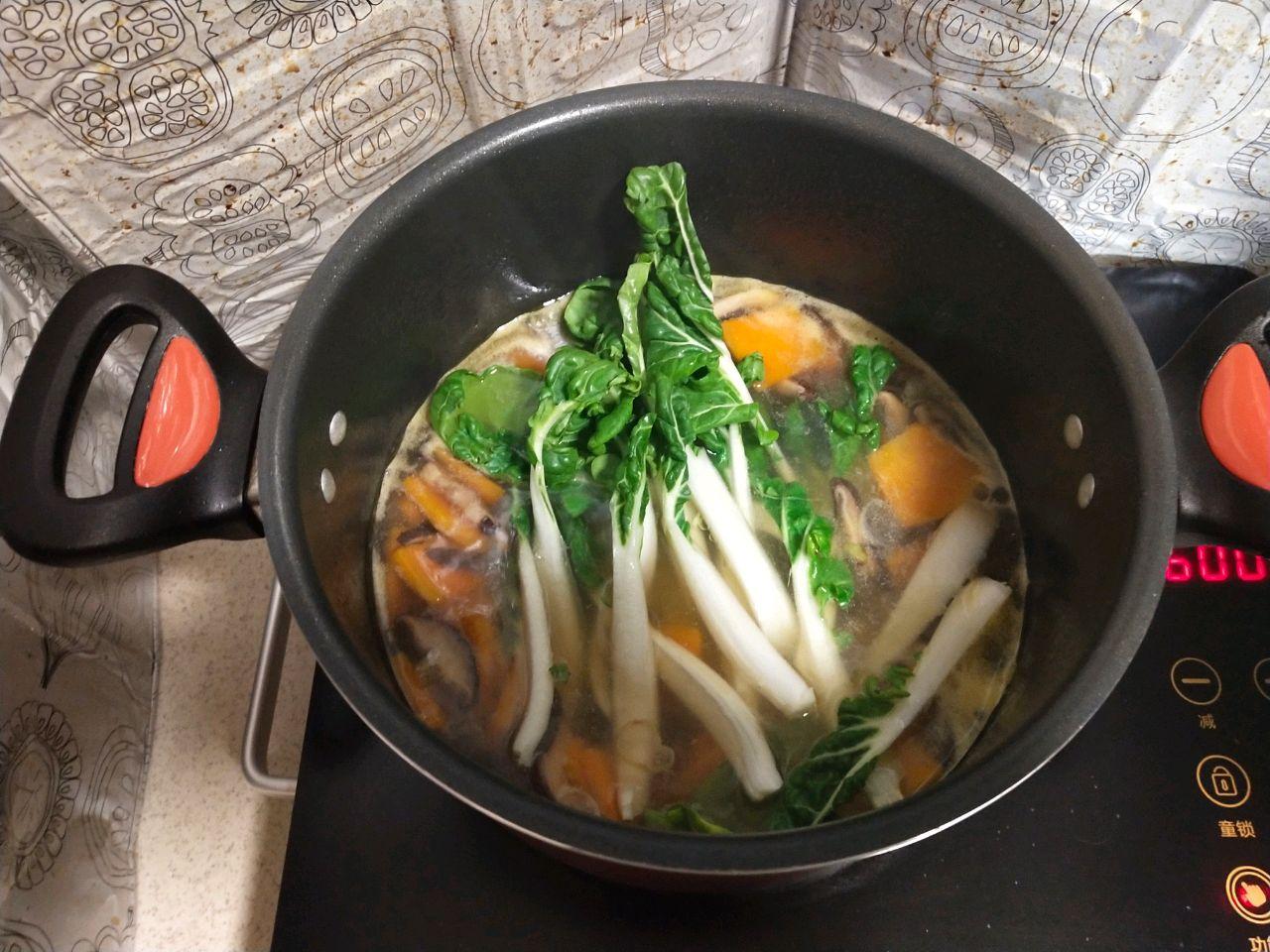 奶白菜南瓜排骨汤#花10分钟,做一菜谱!#的道菜_菜谱做法蘑菇名图片