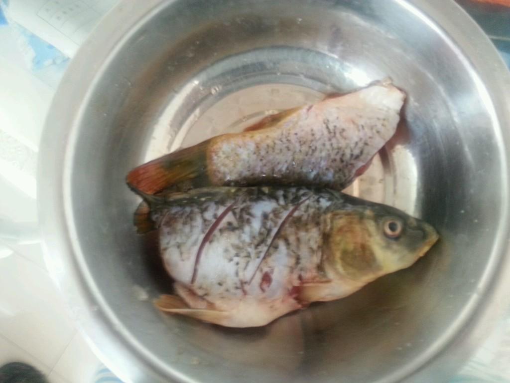 红烧鲤鱼~瑜家私房菜的做法图解1
