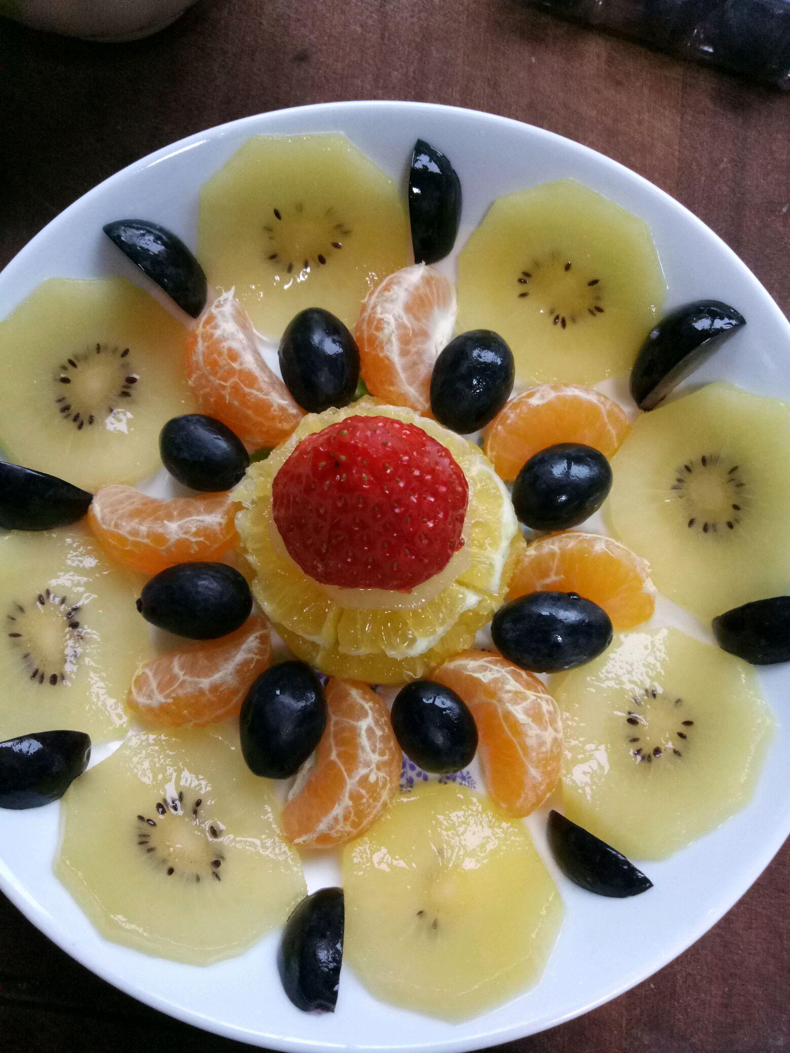 繁花……水果拼盘的做法步骤 1.