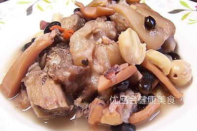 墨鱼干莲子黑豆炖猪蹄——滋阴补肾,健脾补胃,安神养颜
