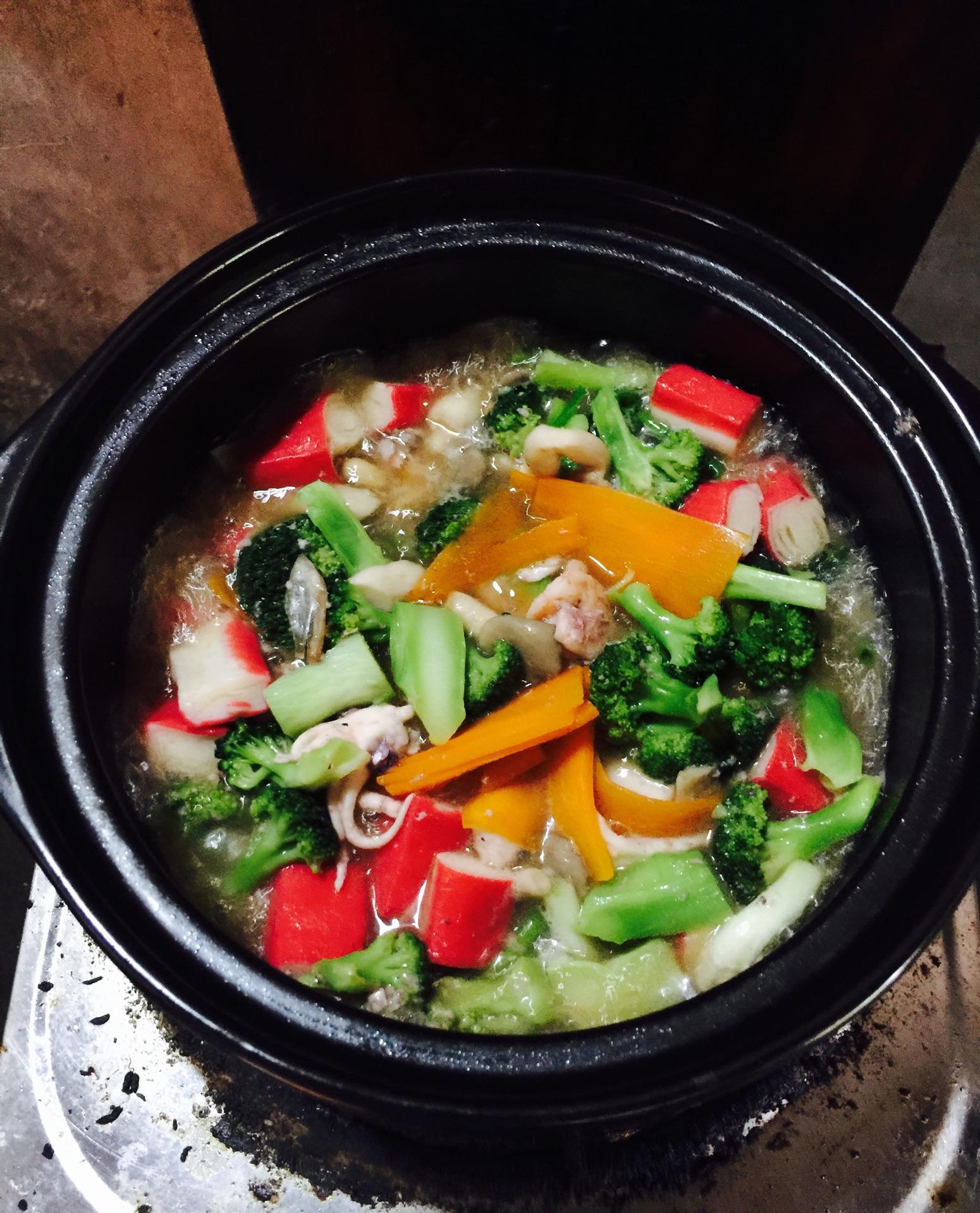 海鲜杂菜煲