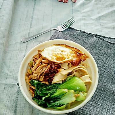 自制鸡做法宽擀肉酱菜谱_炒锅_豆果面的做法鱼丸的美食图片