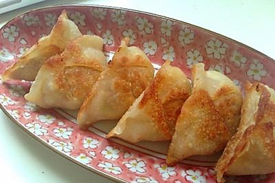 白菜猪肉煎饺,易胜博开户:锅贴(内涵饺子馅做法)