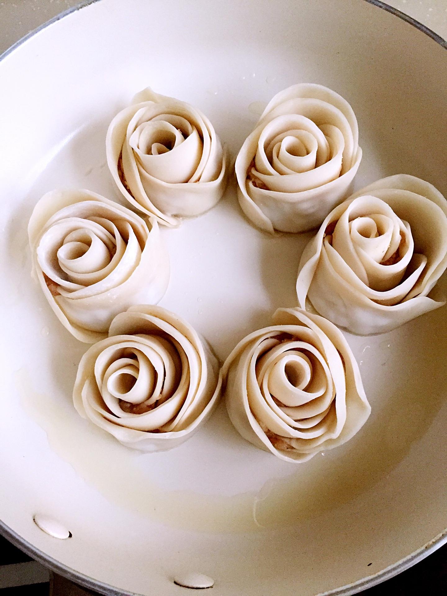 玫瑰花饺子的做法图解4