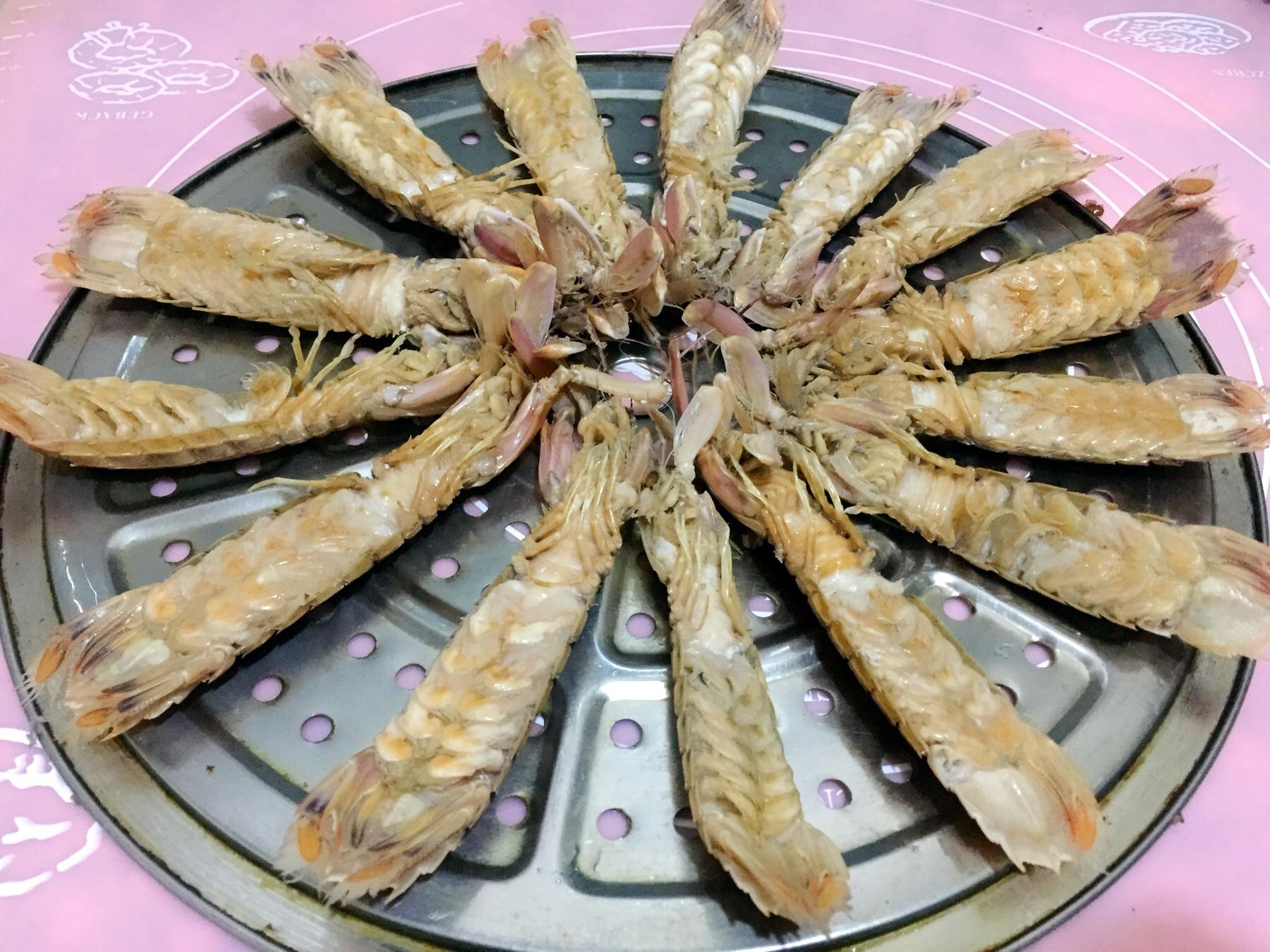 清蒸皮皮虾的做法步骤 2.