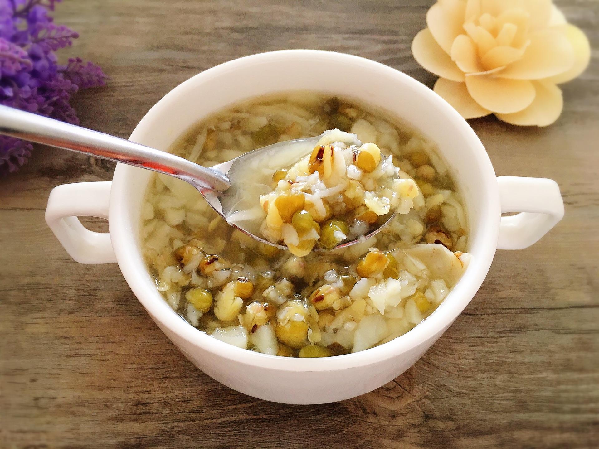 百合马蹄绿豆汤的做法步骤