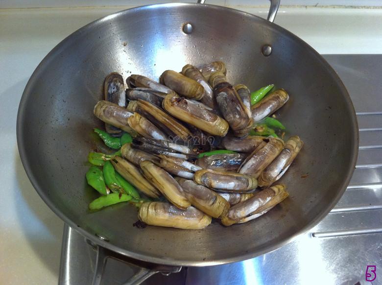【豉椒炒蛏子】——小海鲜的惹味吃法的做法图解5