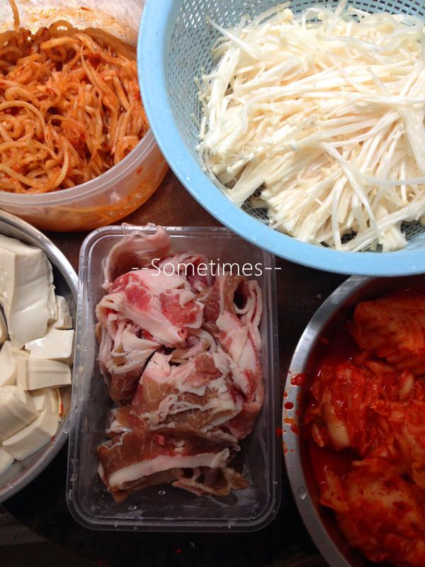 泡菜金针菇做法美食煲的豆腐_肥牛_豆果年糕郫县豆瓣酱炒菜谱做法图片