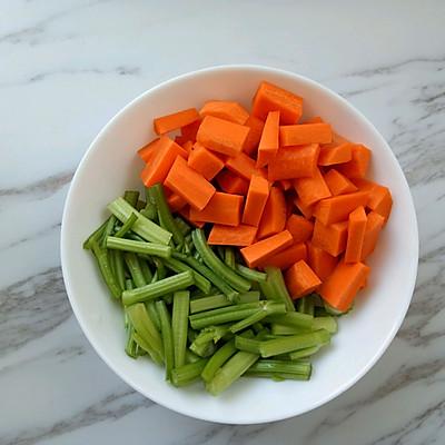 菜谱炝拌花生米的食谱_美食_豆果鸡翅做法锅虾湘干川菜芹菜图片