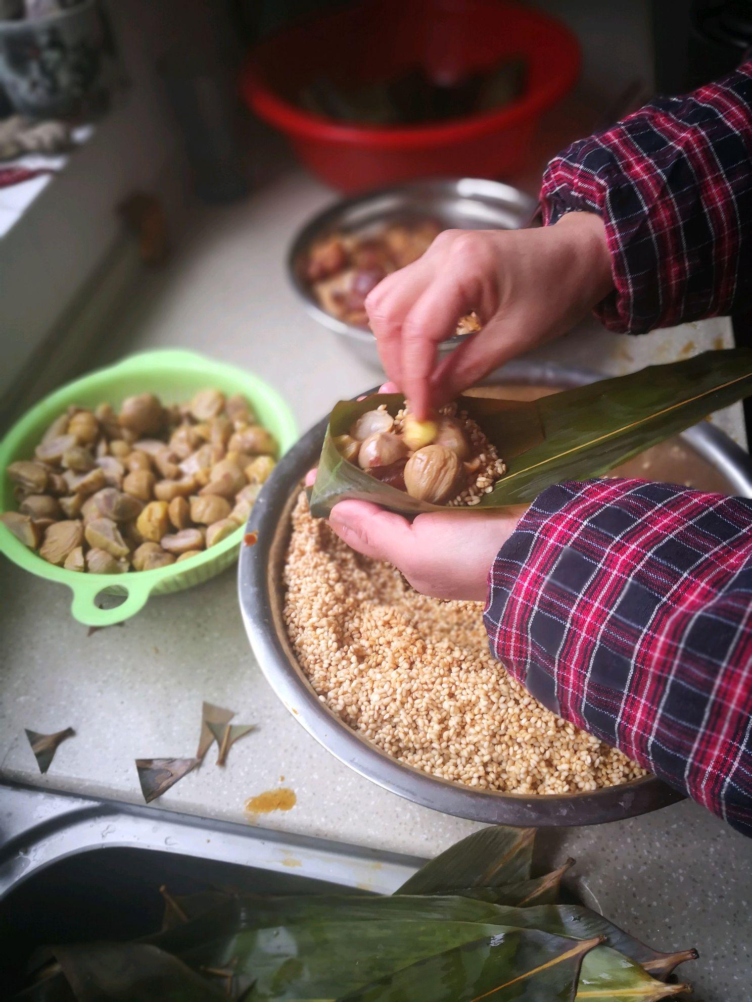 板栗大肉粽子的做法步骤 11.
