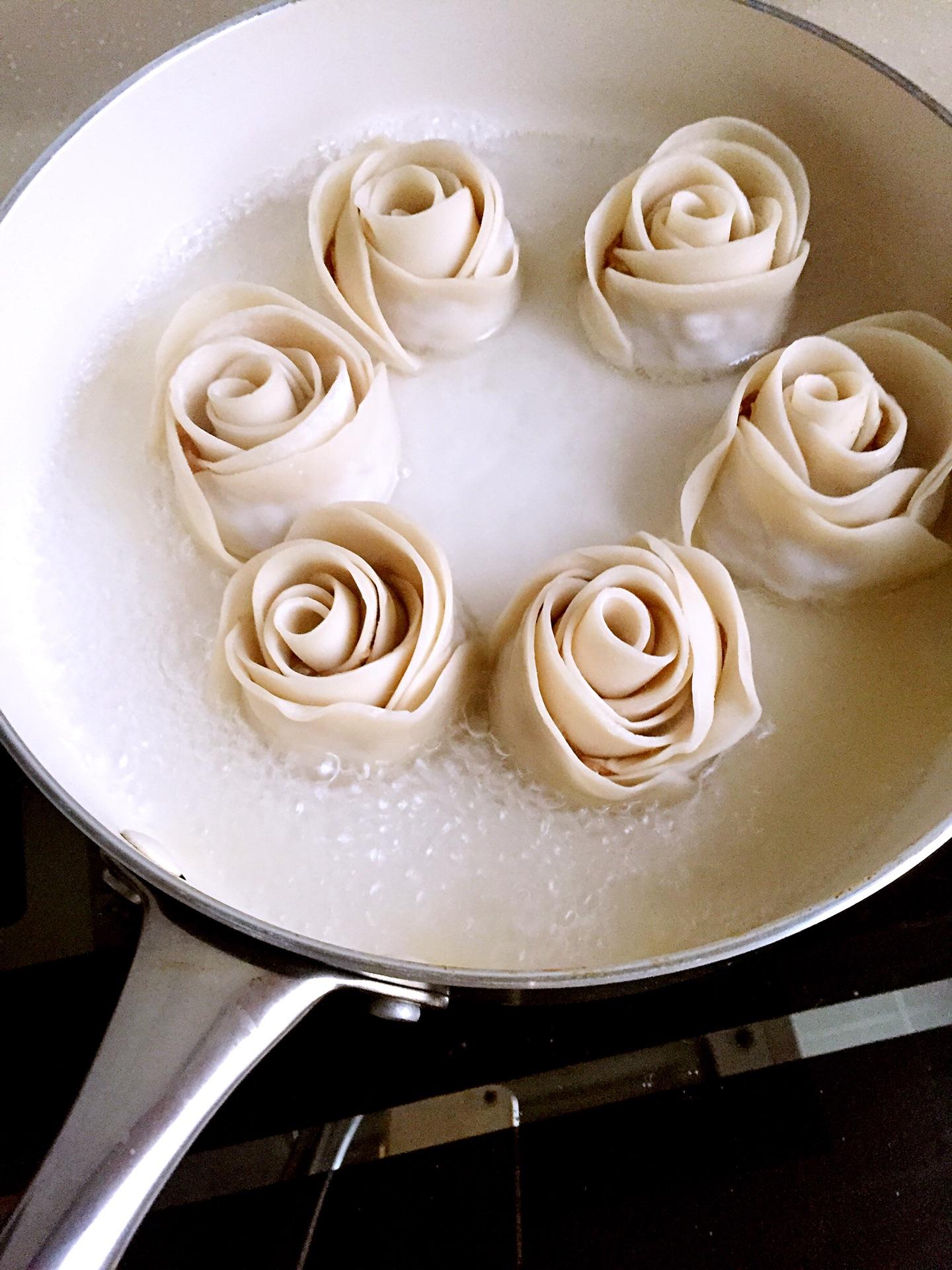 玫瑰花饺子的做法图解5