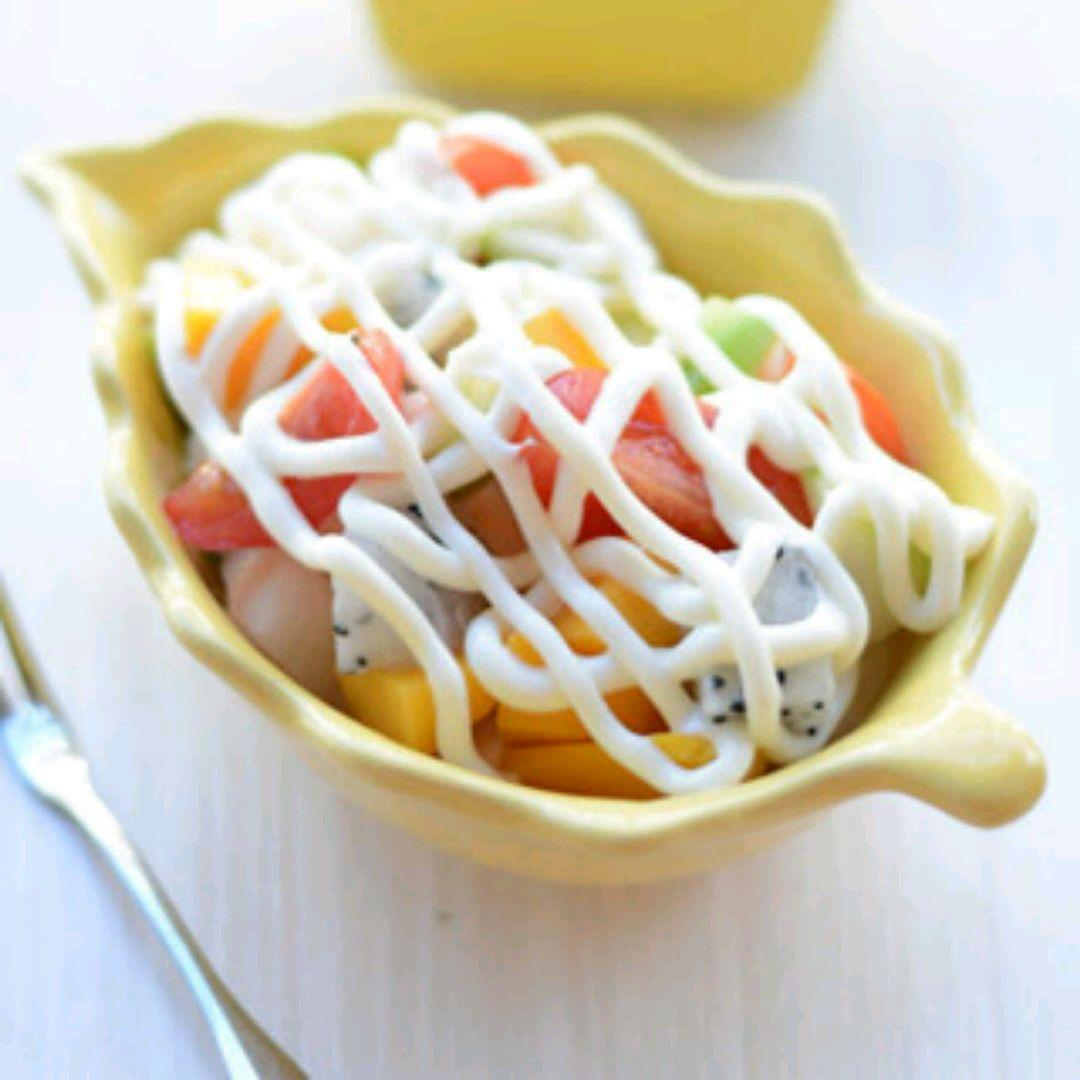 芒果1个 梨子半个 青枣1个 圣女果5个 沙拉酱 水果沙拉的做法步骤 小