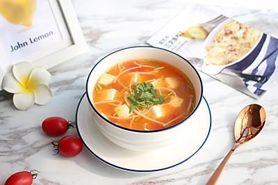 【茄汁金针菇豆腐汤】#快手又营养,我家的冬日必备菜品#