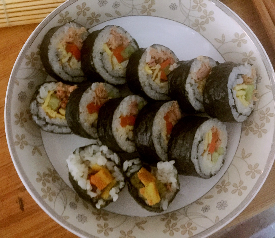 金枪鱼紫菜包饭的做法图解10