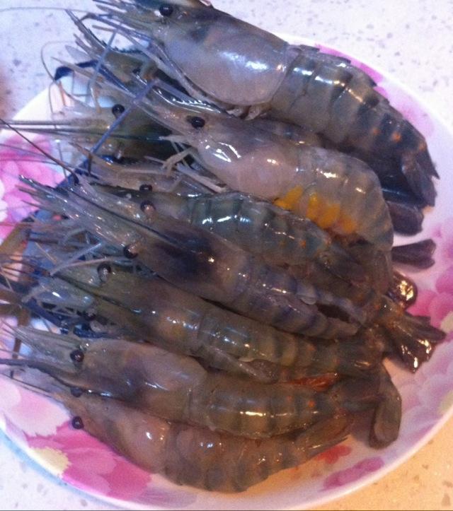 蒜香芝士焗大虾的做法图解1