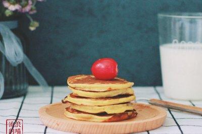 香蕉牛奶松饼—早餐系列