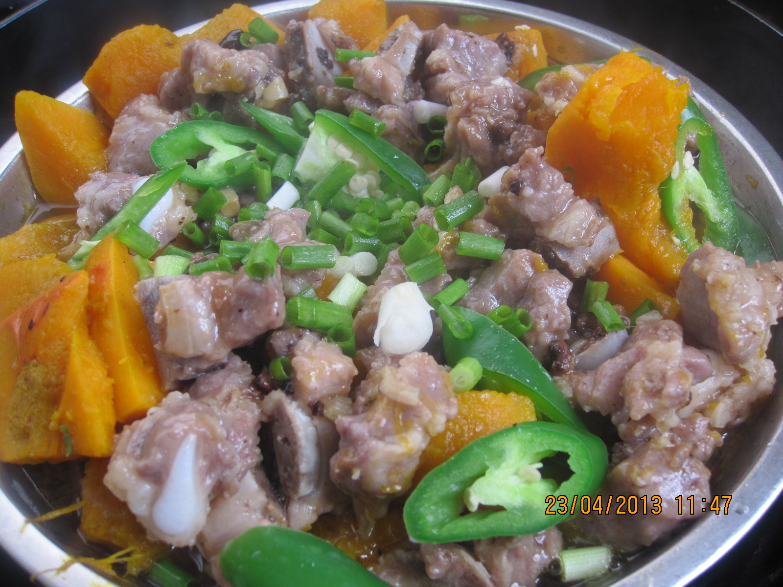 小南瓜蒸排骨小白菜排骨汤用高压锅图片