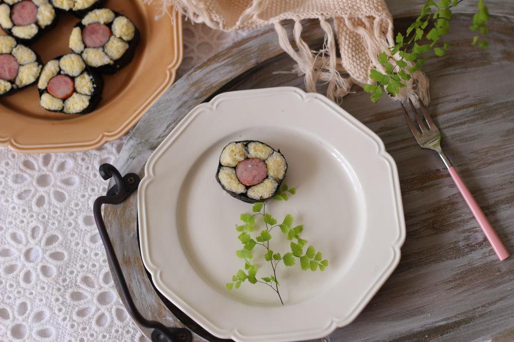 香肠花朵寿司的做法图解15