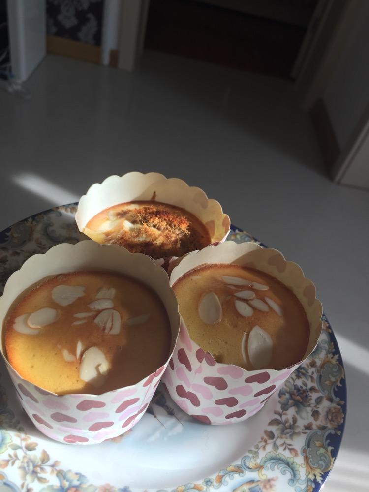 杏仁海绵纸杯蛋糕的做法图解4