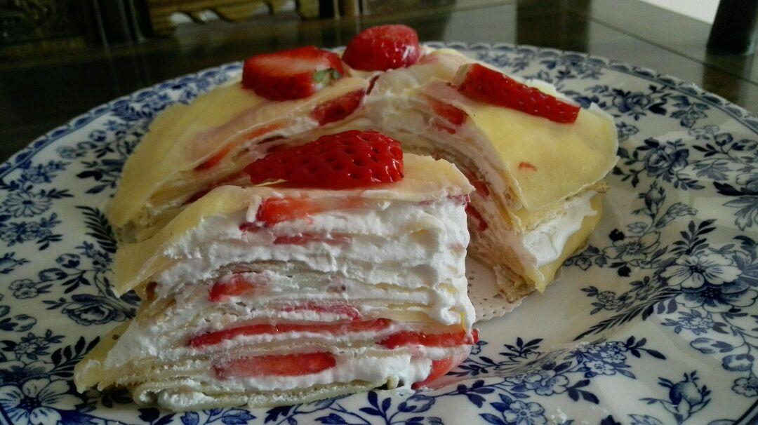 千层蛋糕的做法_草莓千层蛋糕的做法