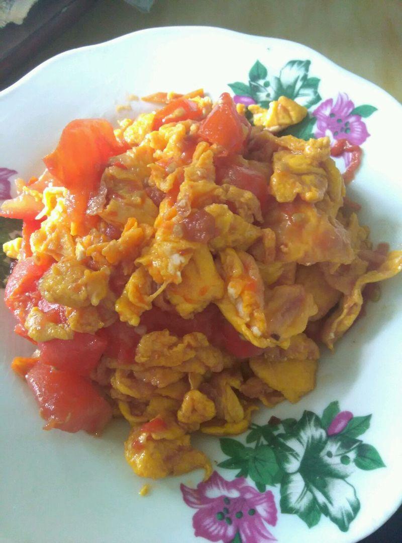 主料 4个 2个(不太大) 西红柿炒蛋的做法步骤        本菜谱的做