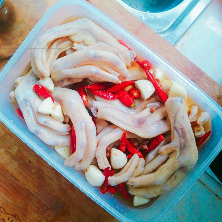 泡鸭爪的做法_美食_豆果牛腩红酒腌菜谱图片