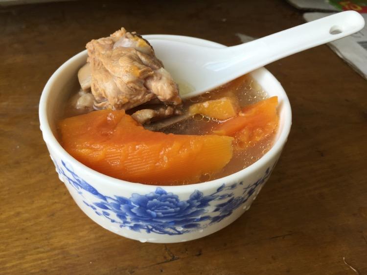 木瓜排骨汤(催乳)脆香鸭肠做法图片