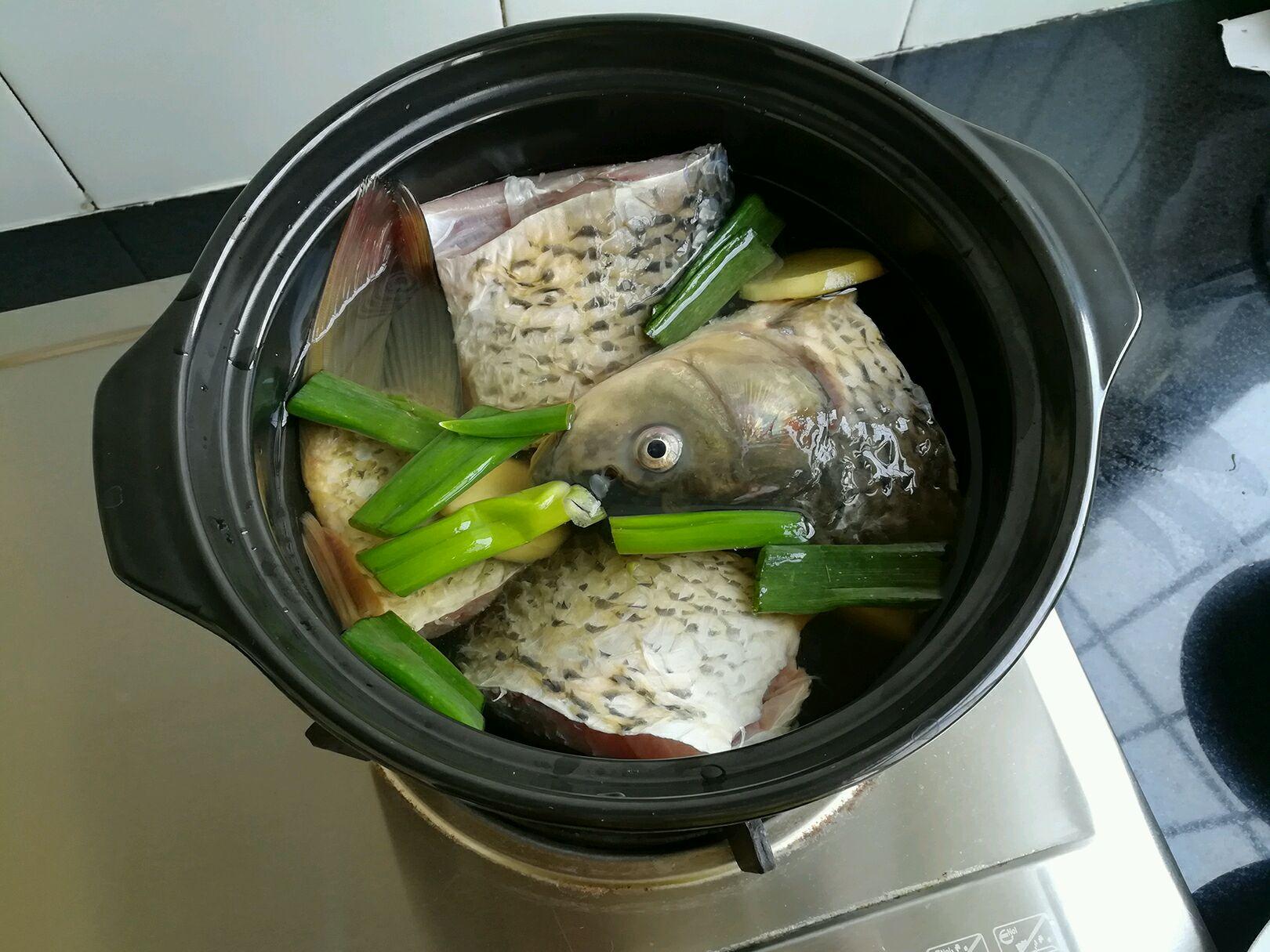 清炖鲤鱼的做法图解7