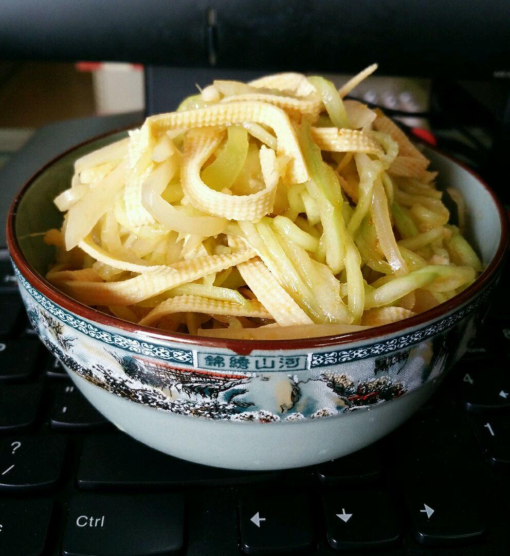 凉拌美食千张丝#在家打造ins广场风#南京美食节文鼎黄瓜图片