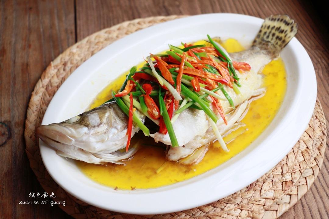 主料 1条(约700g) 适量 适量 清蒸鳜鱼的做法步骤        本菜谱