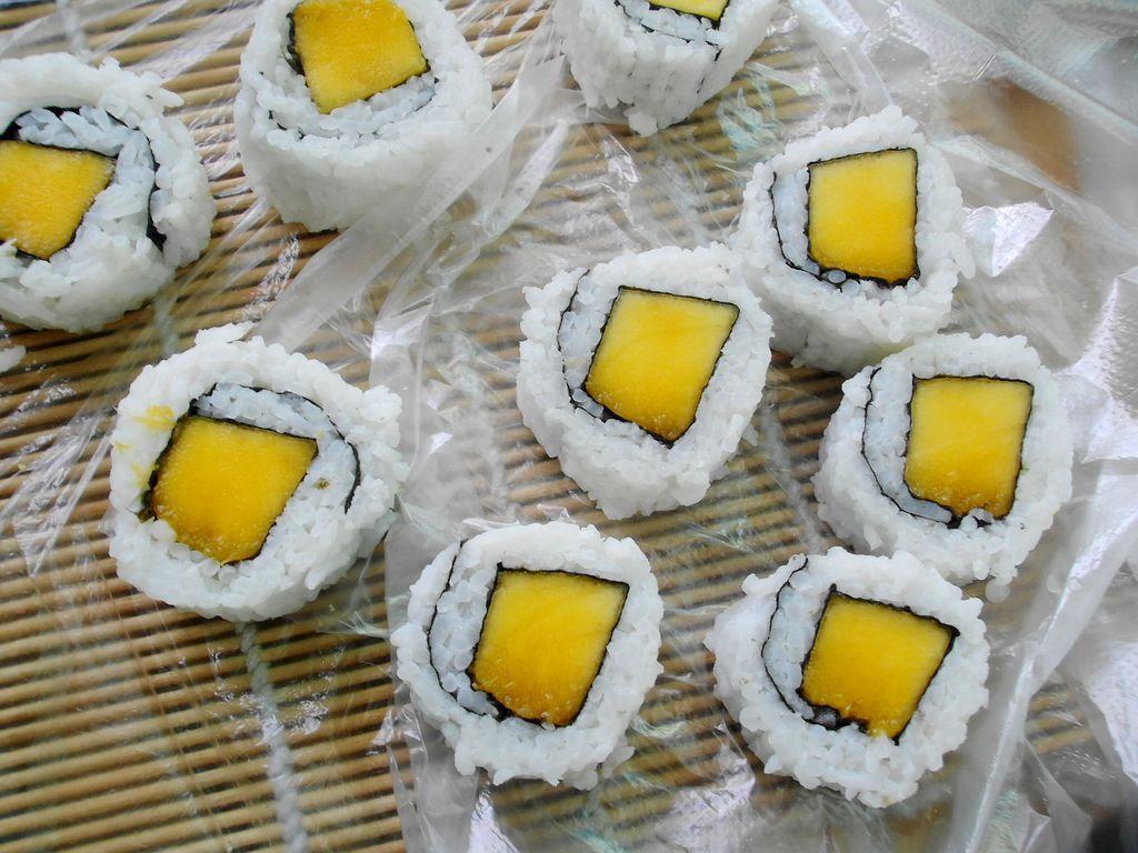 芒果寿司卷图片