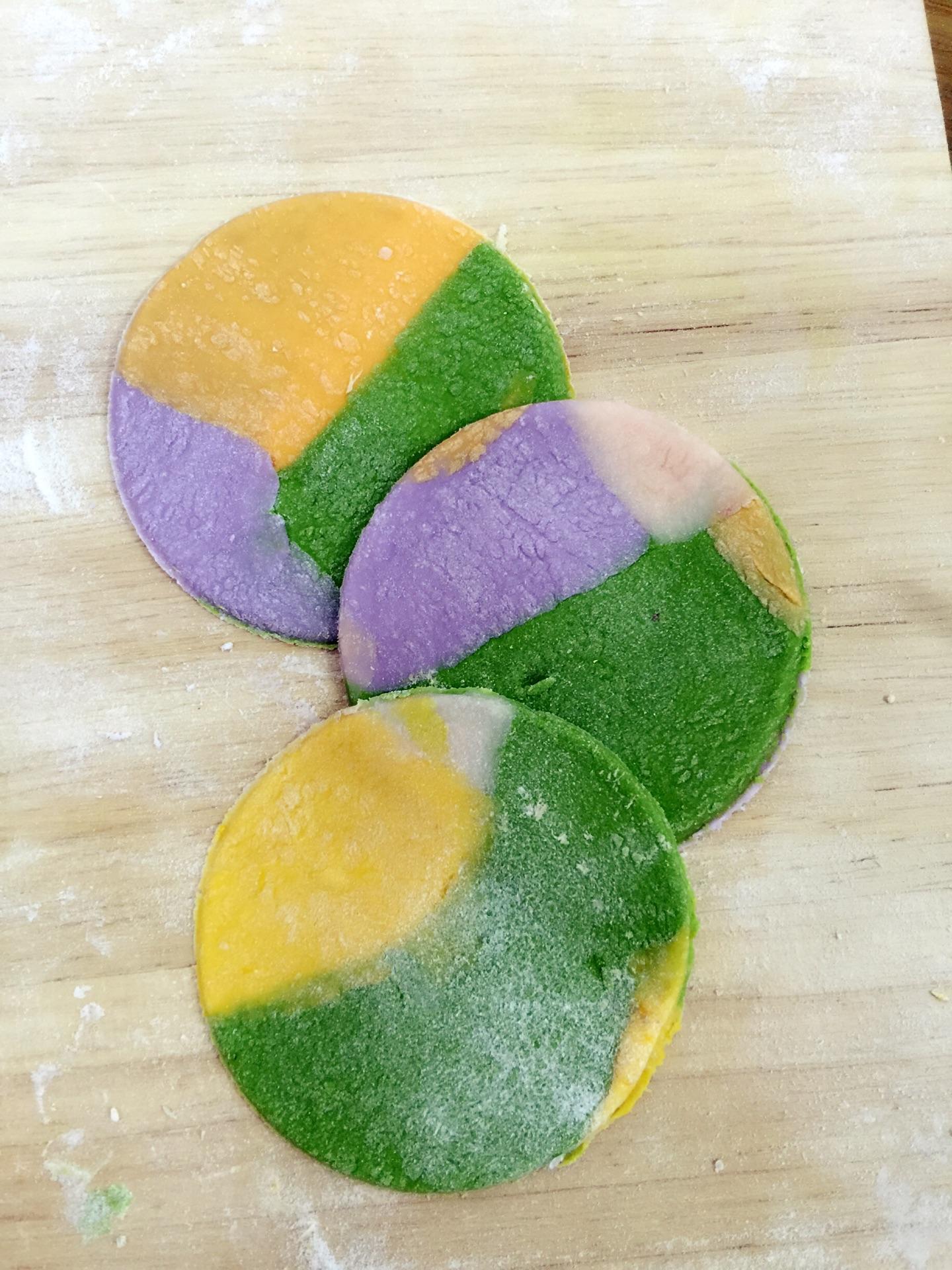 彩虹饺子的做法步骤