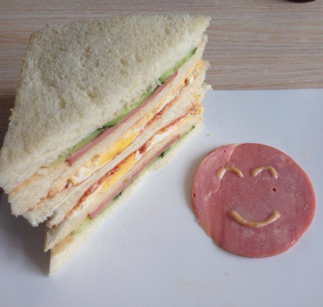 三明治—巨无霸的做法_【图解】三明治—巨无霸怎么做