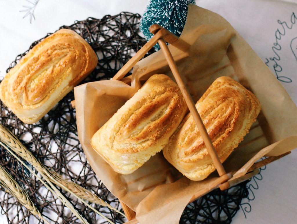 东菱电烤箱之椰蓉千层面包的做法_【图解】东菱电烤箱