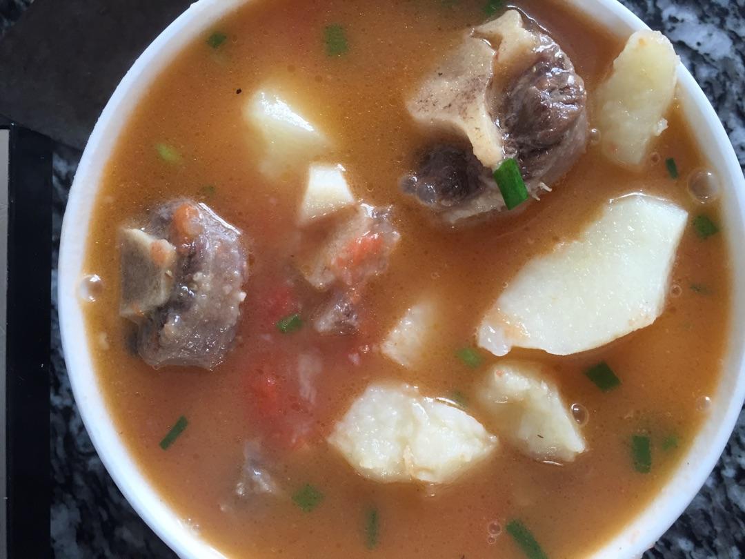 菜品美食牛尾巴汤的做法_寿司_豆果番茄土豆仙人菜谱图片