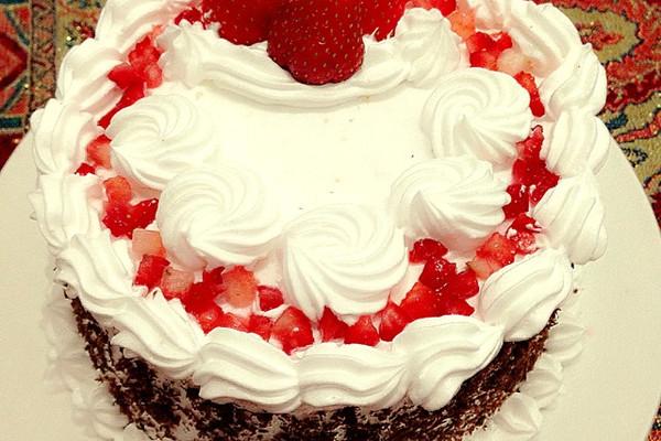 纯奶油蛋糕_奶油裱花蛋糕