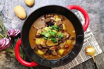 #快手又营养,我家的冬日必备菜品#牛腩番茄汤