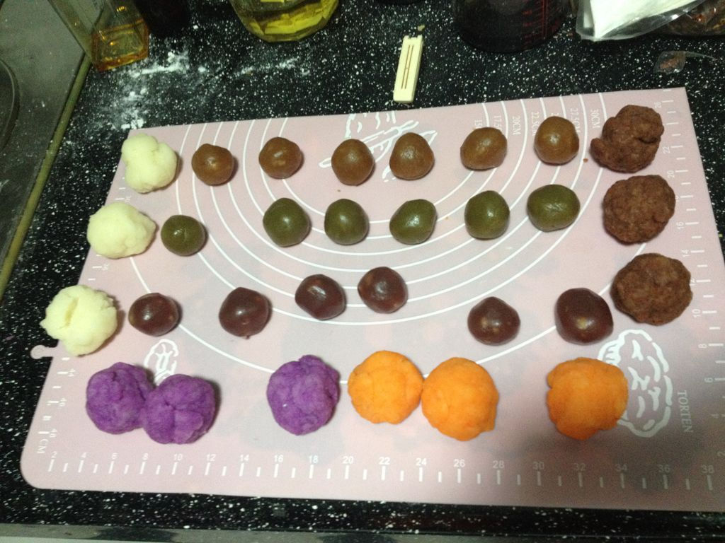 彩色冰皮月饼【奶蛋素】的做法图解2